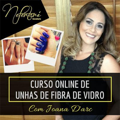 Joana Darc, professora do curso de unhas de fibra de vidro