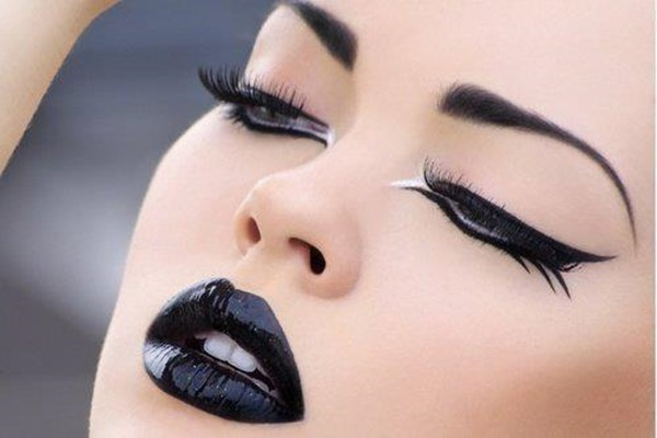 How to Wear sexy Black Lip color