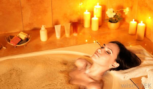 Bathing in Apple Cider Vinegar