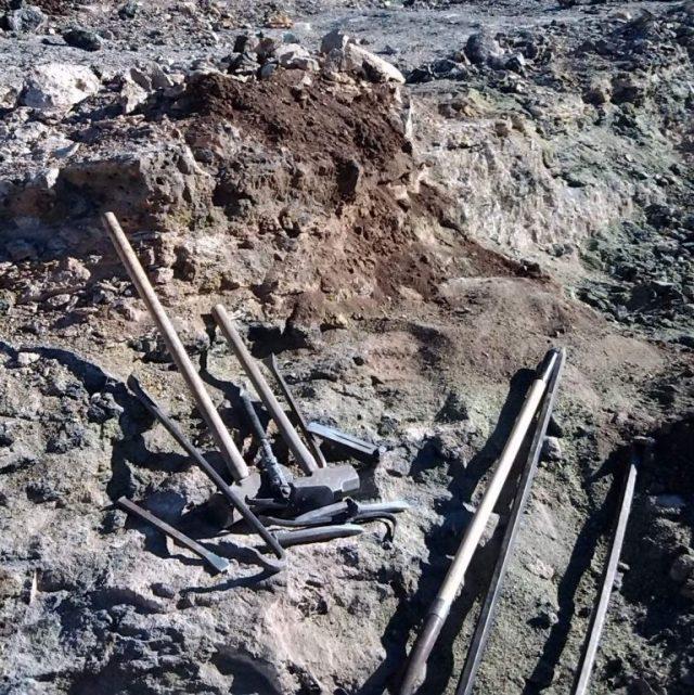 dụng cụ khai thác ở mỏ