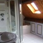 La grange de Pyraine : salle de bain