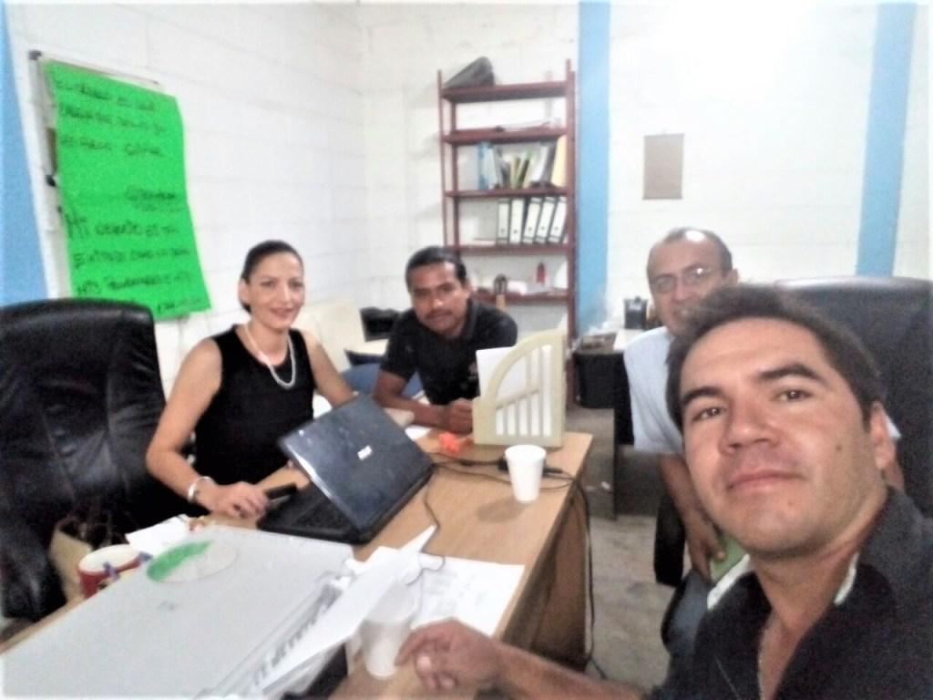 """INEA instalará aula en Central de Abastos de Querétaro para que """"diableros"""" terminen su primaria"""