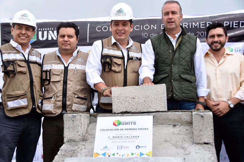 """Encabeza Mario Calzada colocación de primera piedra de Nuevo """"UNITS Parque Industrial Calamanda"""""""