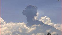#Video El Volcán Popocatépetl registra fuerte explosión