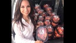 #LadyPollos La Diputada de Zacatecas que regala pollos rostizados con su foto