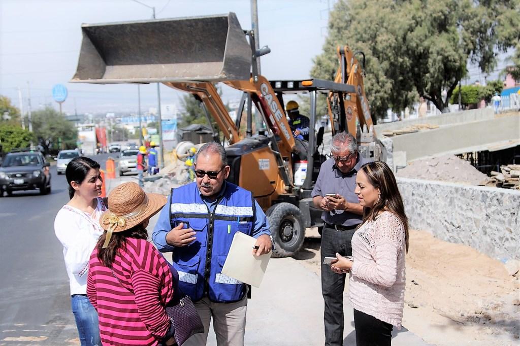 Fernando Orozco Vega, secretario de Desarrollo Urbano y Obras Públicas del municipio de Corregidora, realizó un recorrido de supervisión de obra por Av. Candiles.