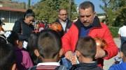 Hugo Cabrera supervisa escuelas de Tequisquiapan