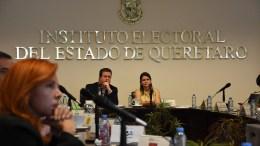 Presentan en el IEEQ materiales y documentación para el proceso electoral