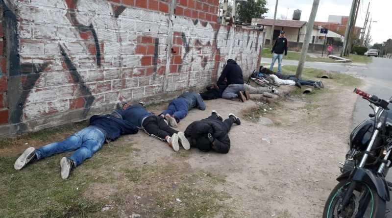 caen narcos en el barrio Bustillo