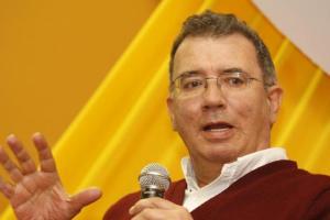 Darío Jaramillo Agudelo es el ganador del Premio Nacional de Poesía 2017 de MinCultura