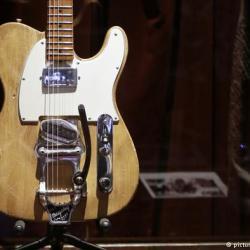 Guitarra de Bob Dylan subastada por medio millón de dólares