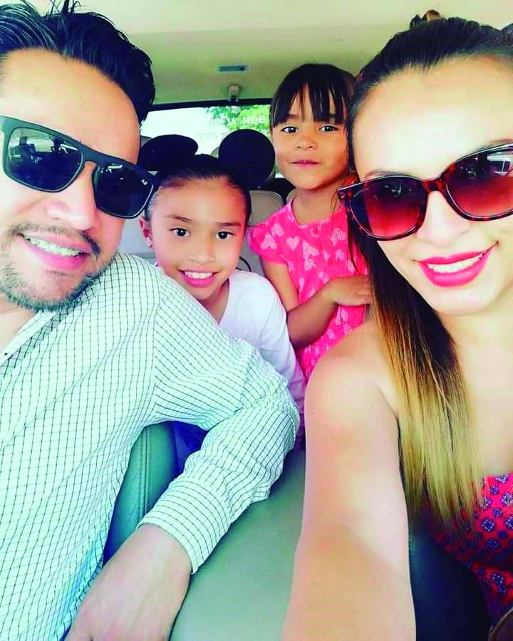 Ricardo Pastrana y familia.