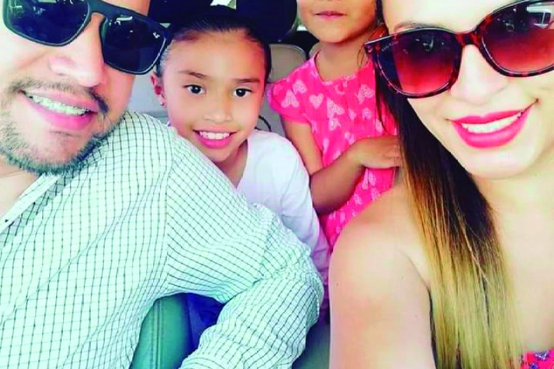 Rubén Olvera y su bella familia.
