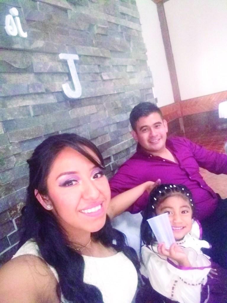 Bonita fiesta de boda tuvieron Jessica y Andrés con su pequeña Dánae, quien cumplió 3 años.