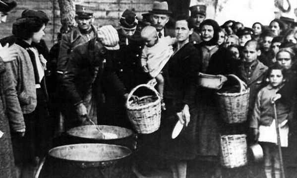 """Εορταστικό τραπέζι στην Κατοχή"""" Τι έτρωγαν οι Έλληνες στην περίοδο της Γερμανικής Κατοχής!"""