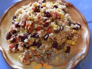 Φασόλια με ρύζι και λαχανικά