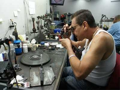 16-grinding-and-polishing-workers