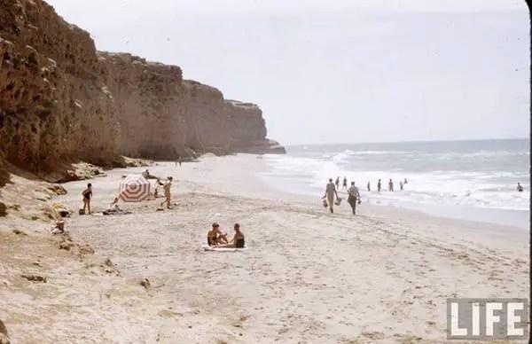 Los Acantilados. Al sur de Mar del Plata, camino a Miramar. Hoy casi no hay playa