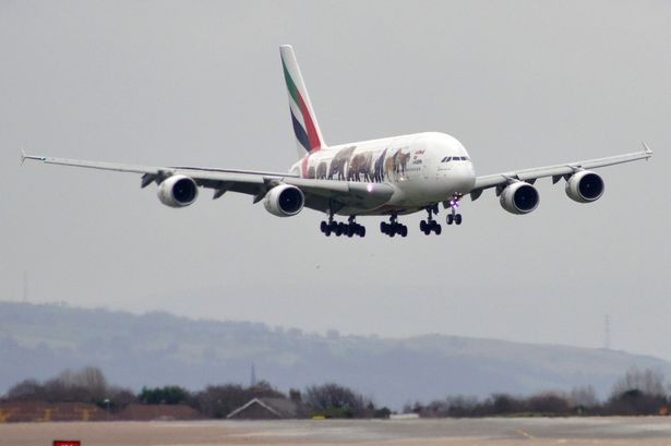 An-Emirates-Airbus-A380