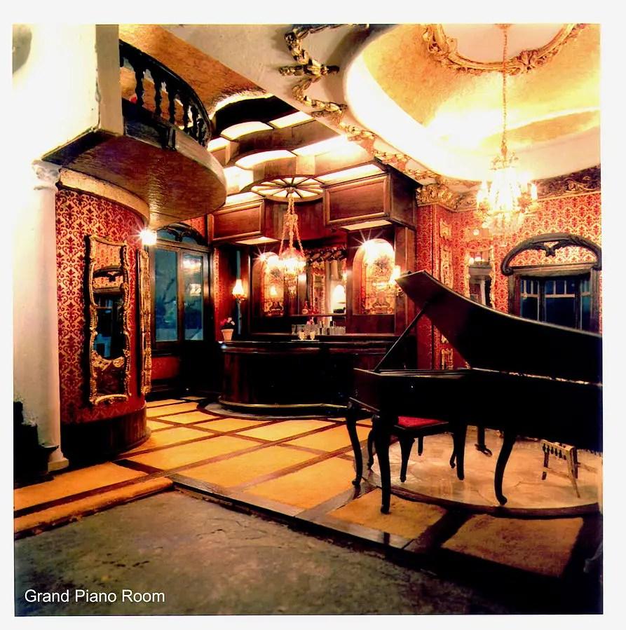 Grand_Piano_Room