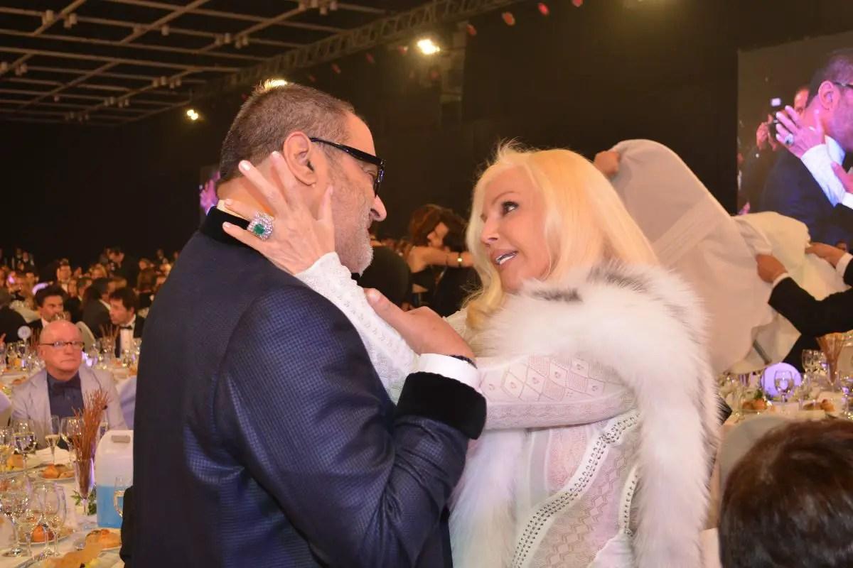 La Diva también recibió a Jorge Lanata con un cariñoso abrazo