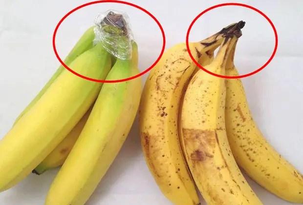 Basta con ponerle un pedazo de cinta sobre el pico de las bananas, para evitar que se pongan negras.