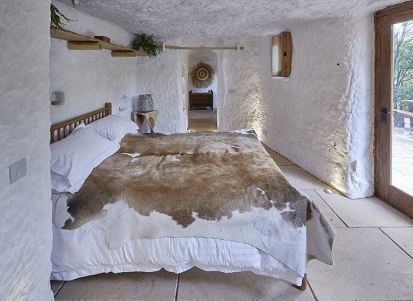 cave-house3-600x437