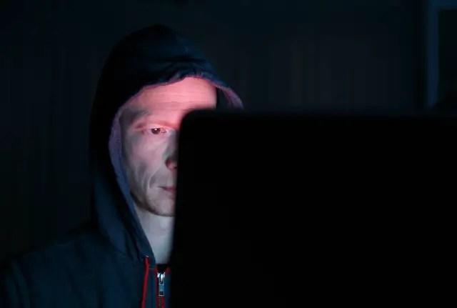 muo-security-webcamprivacy-watcher