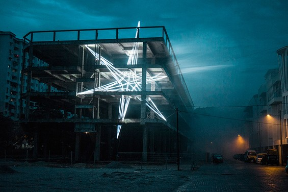 star-jun-ong-penang-malaysia-lighting-installation-designboom-04-565x376