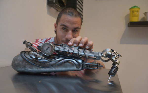 tattoo-machine-prostesis-600x380