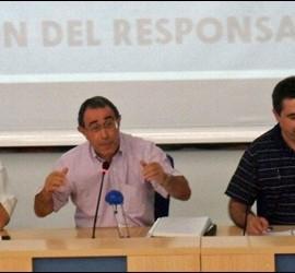 Lucio Arnáiz en la mesa de los curas de El Prado