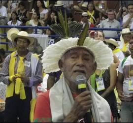 Oración de los indios en la Intereclesial de Brasil