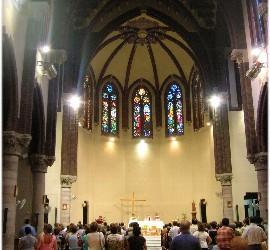Interior de la iglesia del municipio de Santa Coloma de Gramenet
