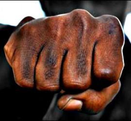 Violencia, pelea, agresión.