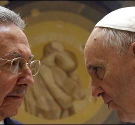 El Papa Francisco y Raúl Castro, actual presidente de Cuba