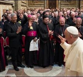 El Papa, con los sacerdotes