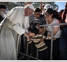 El Papa pide soluciones para los refugiados