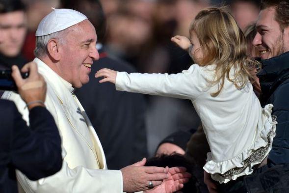 Resultado de imagen de papa francisco niños
