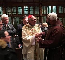 Encuentro en una parroquia hispana de Boston