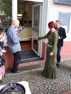 Das Literaturcafé Periplaneta wird eröffnet und wird fortan das literarische Leben aller Berliner nachhaltig verändern