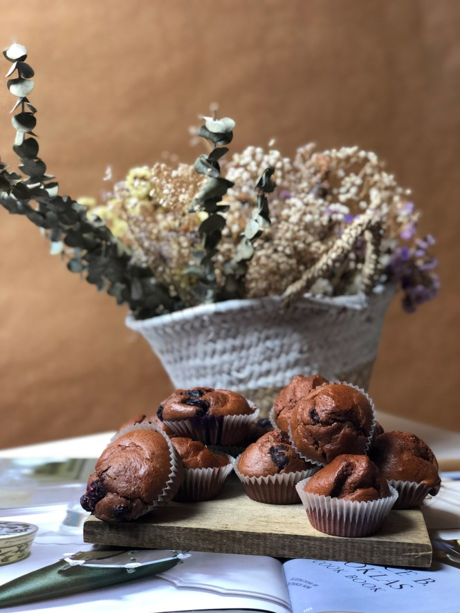 Magdalenas de espelta y cacao puro