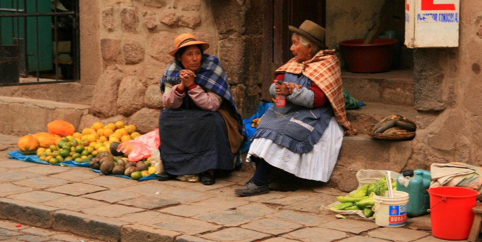 Handel na ulicach Cuzco jest czymś oczywistym. (Fot. Kuba Fedorowicz)