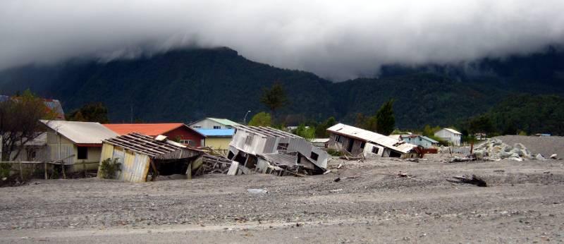 Zniszczenia dokonane przez rzekę. (Fot. Łukasz Obuchowicz)