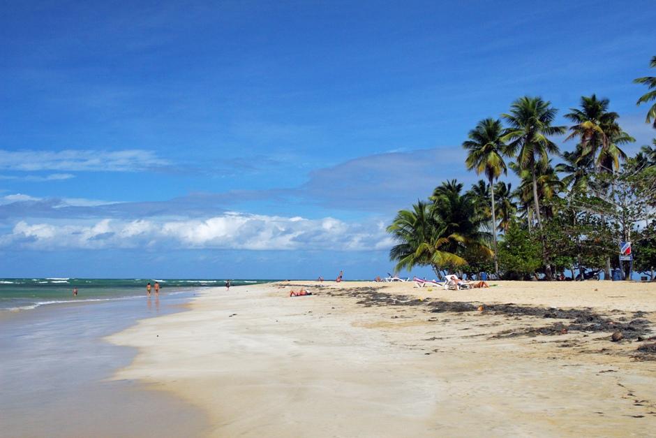 5. DOMINIKANA, Las Terrenas. Czas na coś dla osób lubiących wypoczynek w pozycji poziomej. Okolice Las Terrenas oferują kilometry prawie pustych, pięknych plaż. (Fot. Ewa Serwicka)