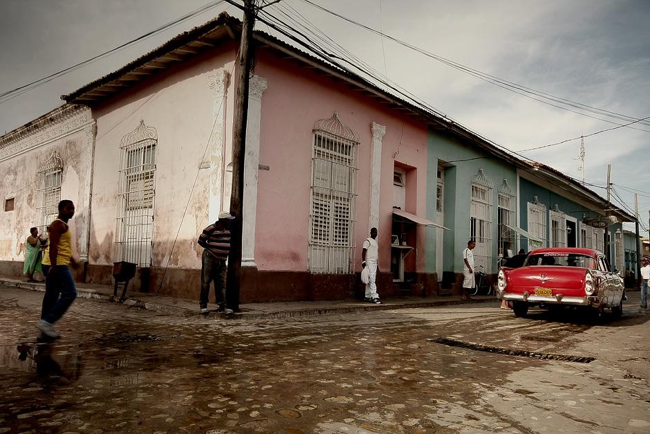 KUBA, Trynidad. W Trynidadzie najbardziej udane zdjęcia wychodzą wczesnym rankiem. Kiedy na ulicach nie ma jeszcze wielu turystów. (Fot. Agnieszka i Mateusz Waligóra)
