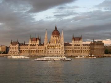Országház- budynek parlamentu w Budapeszcie (fot. Paweł Kornatowski)