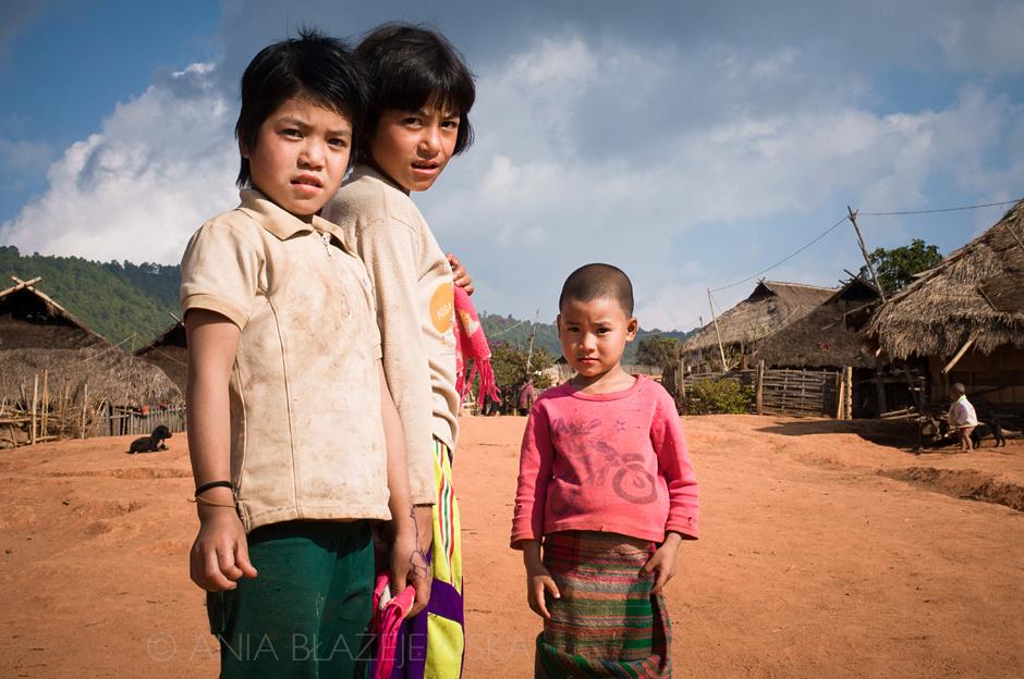 Birma - dzieciaki z plemienia Akha