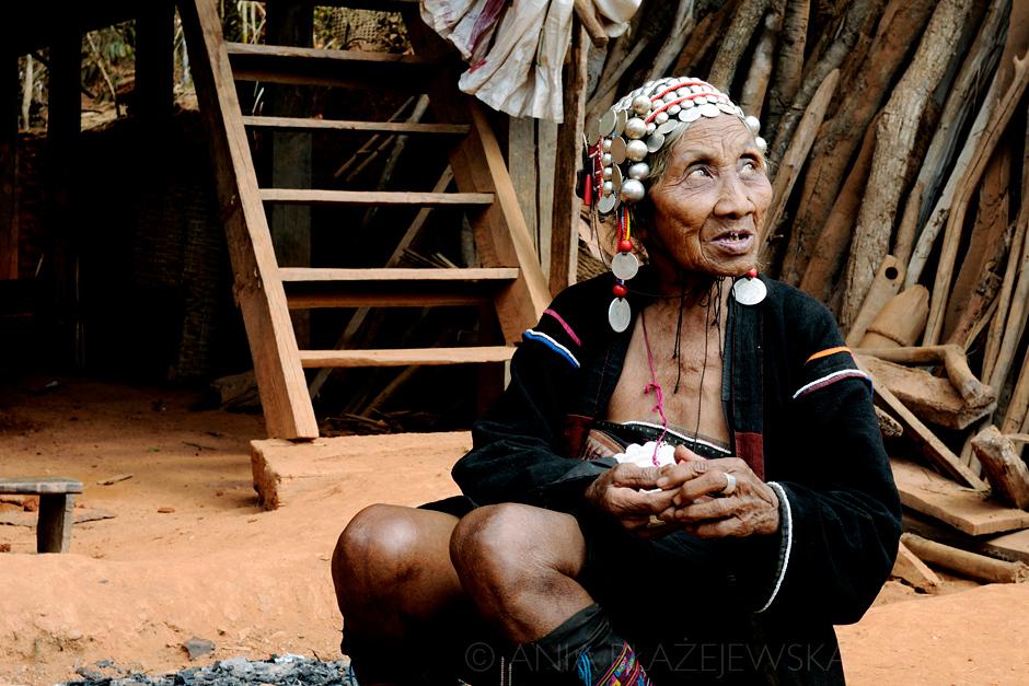Birma - kobieta Akha