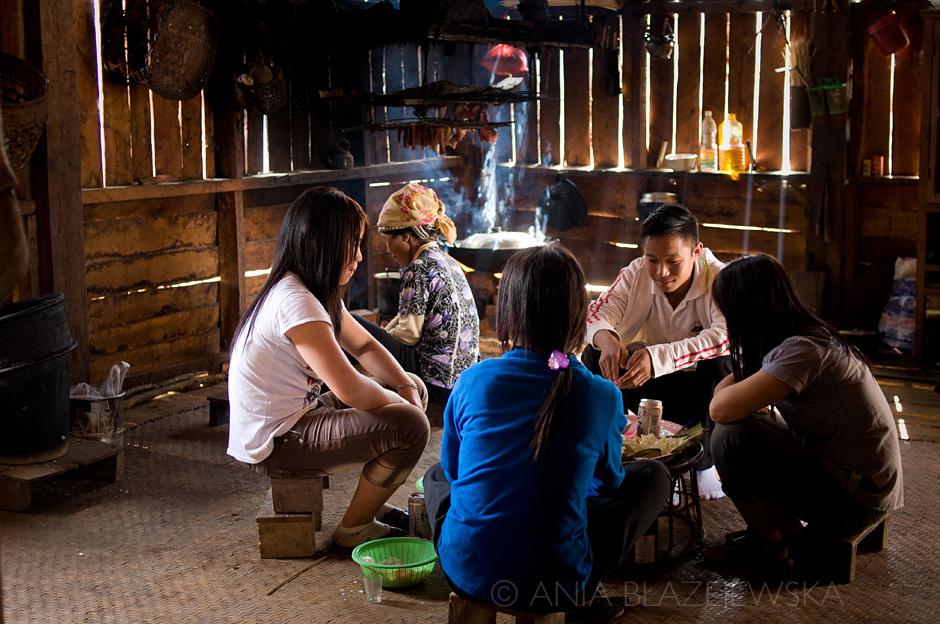 Laos - młodzież Akha