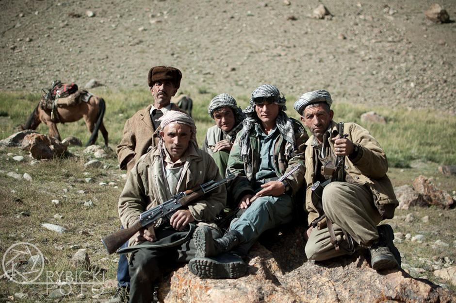 9. AFGANISTAN, prowincja Badachsztan. Patrol graniczny. Żołnierze są tu naczelną siłą administracyjną. (Fot. Jakub Rybicki)